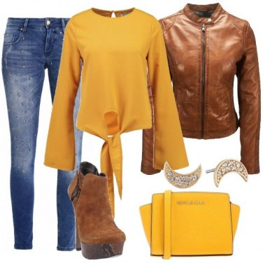 Outfit Vivace in giallo e marrone