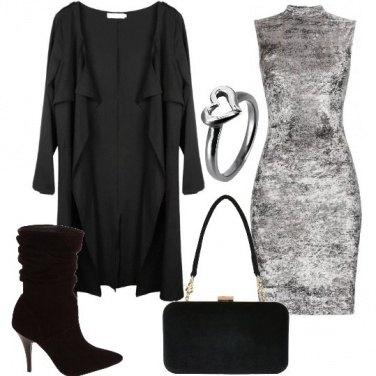 Outfit Elegante in grigio e nero