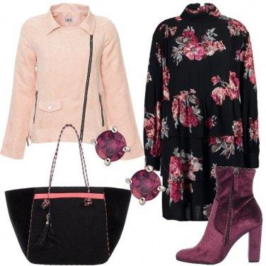 Outfit Tronchetto e borsa di velluto