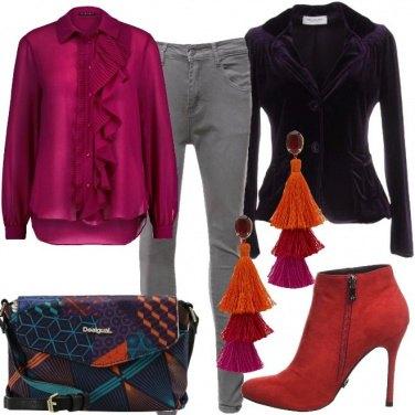 Outfit Velluto e dettagli in arancio