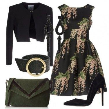Outfit Abito fantasia floreale