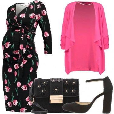 Outfit Fiori per la futura mamma