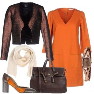 Outfit Marrone e arancione