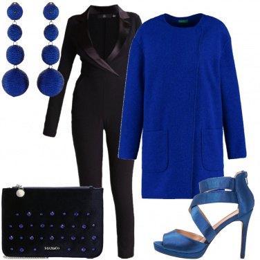 Outfit Un pò di blu elettrico