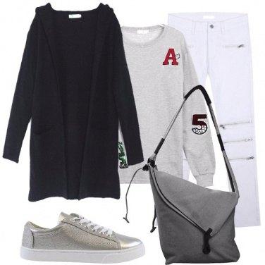 Outfit Felpa con toppe