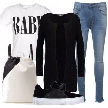 Outfit Bianco nero e denim