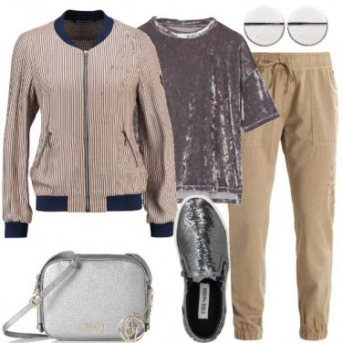 Outfit Trendy in beige e argento
