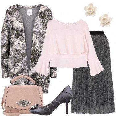 Outfit Blazer grigio in fantasia floreale