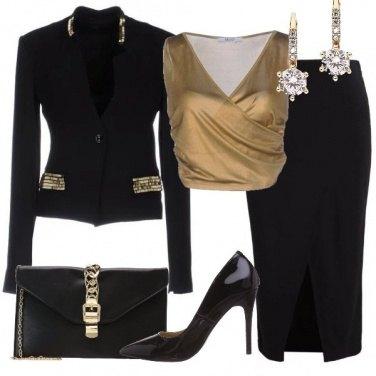 Outfit Sexy in nero e oro