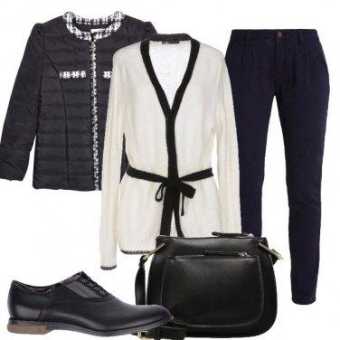 Outfit Il sobrio bianco e nero