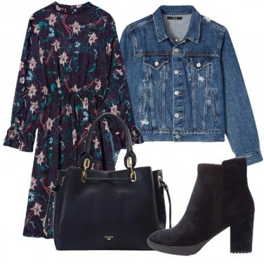 Outfit Blu floreale