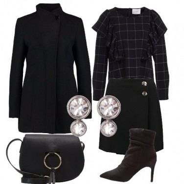 Outfit Volants e scacchi total black