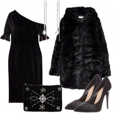 Outfit Nero e cristalli