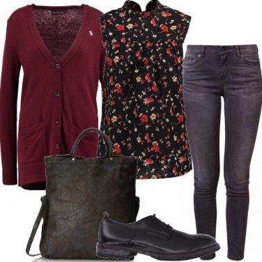 Outfit Borsa con tracolla e stringata