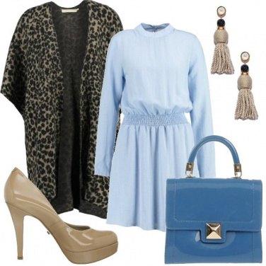 Outfit Azzurro e animalier