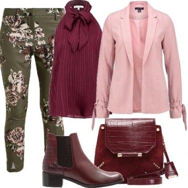 Outfit Pantalone a fiori e blazer