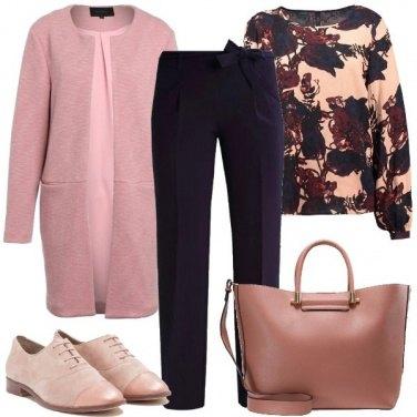 Outfit Ufficio in rosa e blu