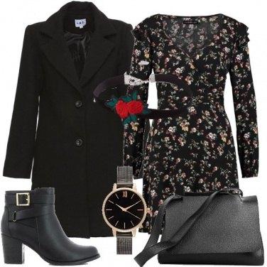Outfit E\' l\'ora dell\'abito a fiori