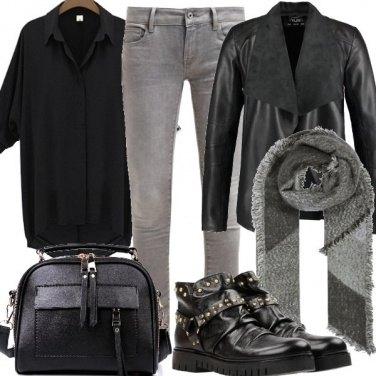 Outfit Stivaletti borchiati