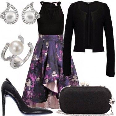 Outfit Nero, viola e perle
