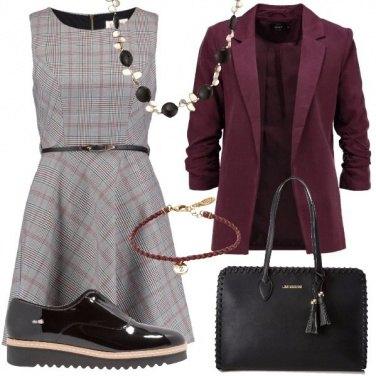 Outfit Abito a scacchi per lavoro