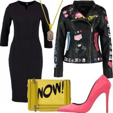 Outfit Tubino nero e lettering