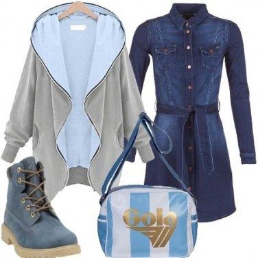 Outfit Vestito in denim e felpa