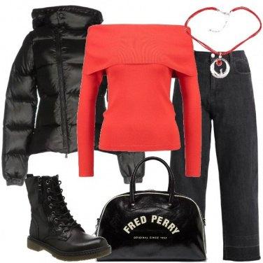 Outfit Piumino nero e borsone intonato