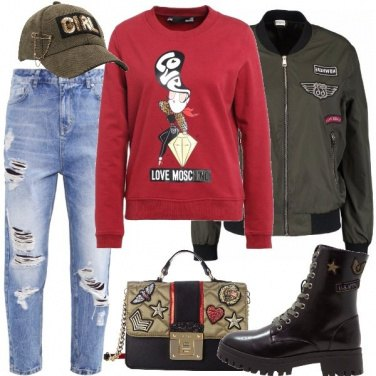 Outfit Scritte e patches ovunque