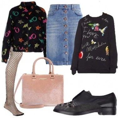 Outfit Felpa con scritte