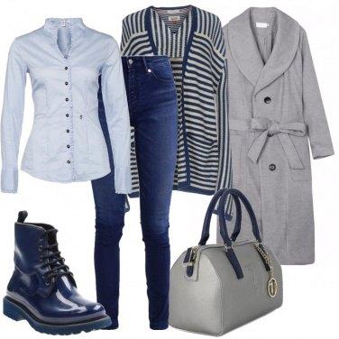 Outfit Partenza in grigio e blu