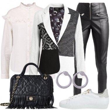 Outfit Il blazer grigio e nero