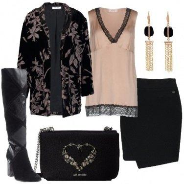 Outfit Velluto e foglie cipria