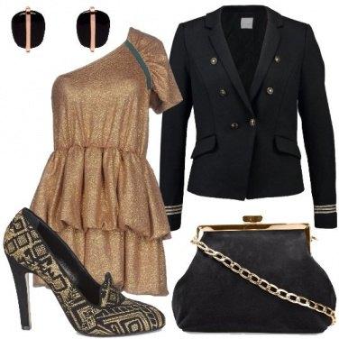 Outfit Monospalla dorato