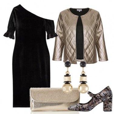 Outfit L\'abito in velluto monospalla
