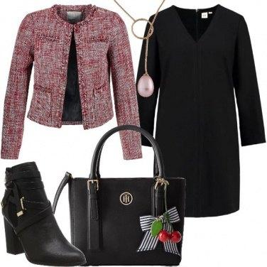 Outfit Un ufficio rosso e nero