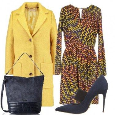 Outfit Un cappotto giallo