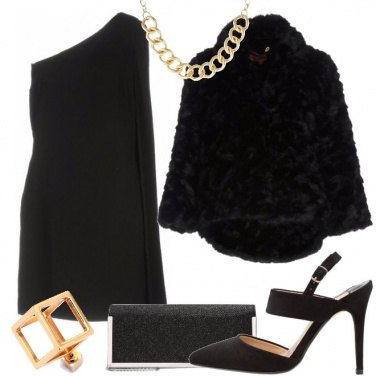 Outfit Il collier sul monospalla