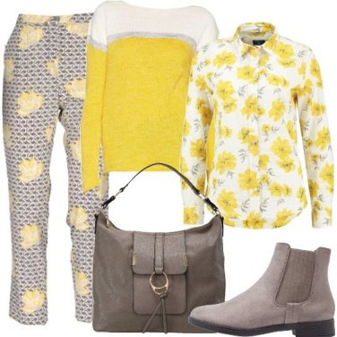 Outfit Un mix in giallo e grigio floreale