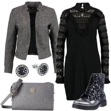 Outfit Vestito ed anfibi