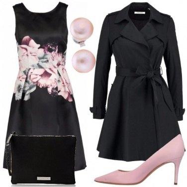 Outfit Il nero con un tocco di rosa