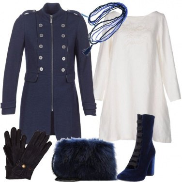 Outfit Abito easy con accessori glam