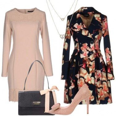 Outfit Il caban in fantasia floreale