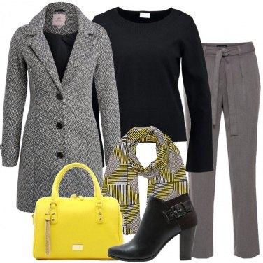 Outfit Il bauletto giallo