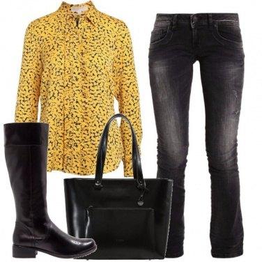 Outfit Aggiungi il giallo