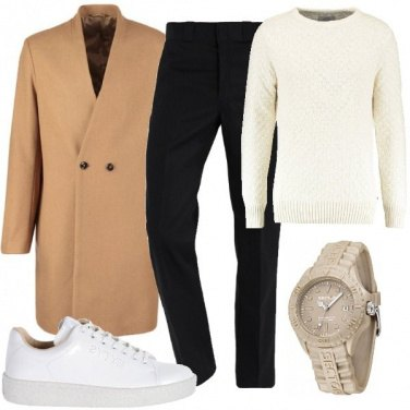 Outfit Cappotto e sneakers