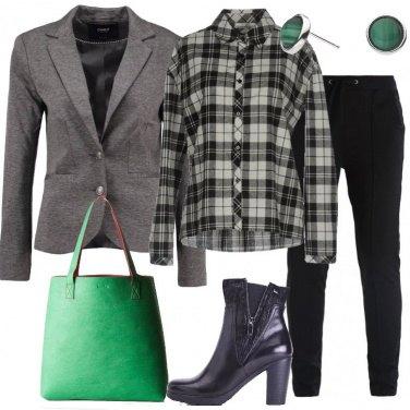 Outfit Blazer e camicia scozzese
