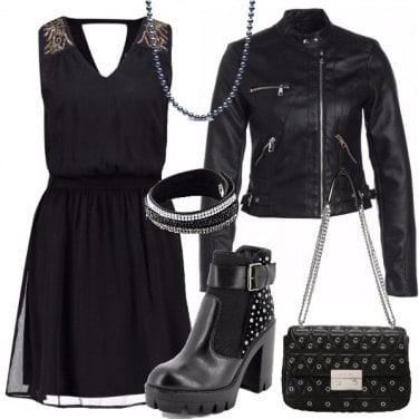 Outfit Stivaletti con borchie e fibbia