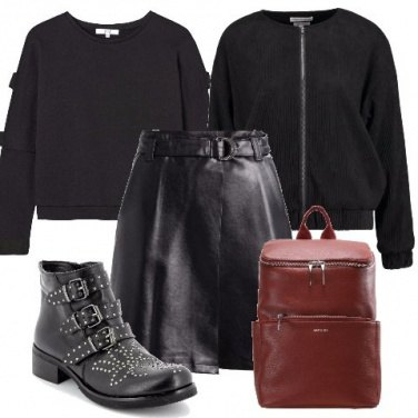Outfit Gonna in similpelle nera