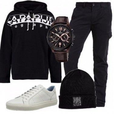 Outfit Felpa con cappuccio nera